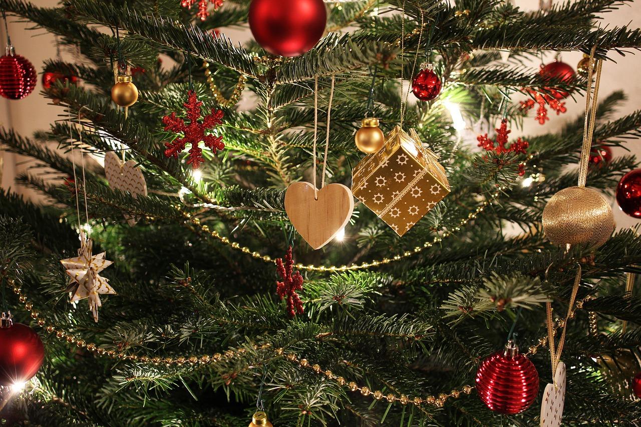 Immagini Di Natale Antiche.L Albero Di Natale Va Sempre E Comunque Di Moda