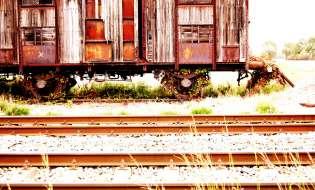 Treni decrepiti e tariffe più alte per i pendolari sardi