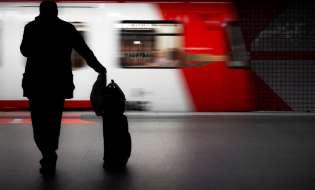 Cervelli in fuga e non: sono 5 milioni gli italiani all'estero