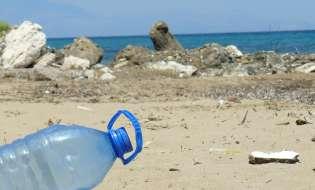 La plastica invisibile che uccide il Mediterraneo
