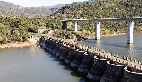 Allarme sicurezza per il Ponte Santa Chiara sulla diga del Tirso