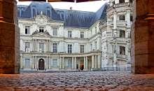 Presidenziali Francesi: dalle macerie del sistema spuntano Macron e Le Pen