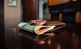 Referendum: per gli stranieri è solo questione di soldi