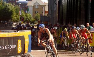 Triathlon: gli atleti della World Cup tornano a Cagliari