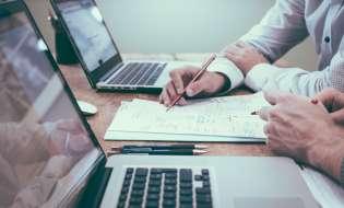 Collaborazioni imprenditoriali: servono le informazioni commerciali